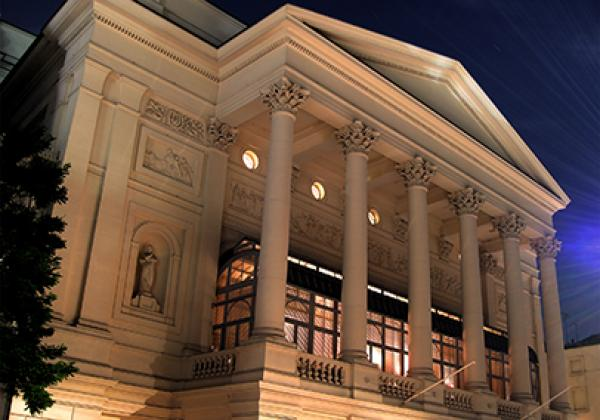 The Royal Opera House, Covent Garden - Photo: © Peter Suranyi [CC-BY-SA 3.0]