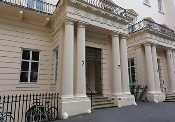 The entrance to the Royal Society - photo: Tom Morris, CC-BY-SA 3.0
