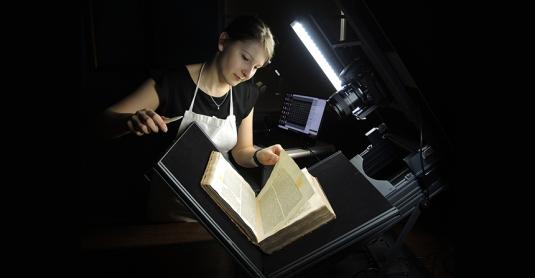 Conservator Lisa Handke digitising the Merton Zohar - Photo © Oxford Conservation Consortium